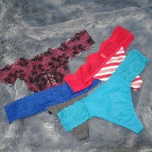 🎀VS Pink Thong Panty Bundle NWT sz LG🎀